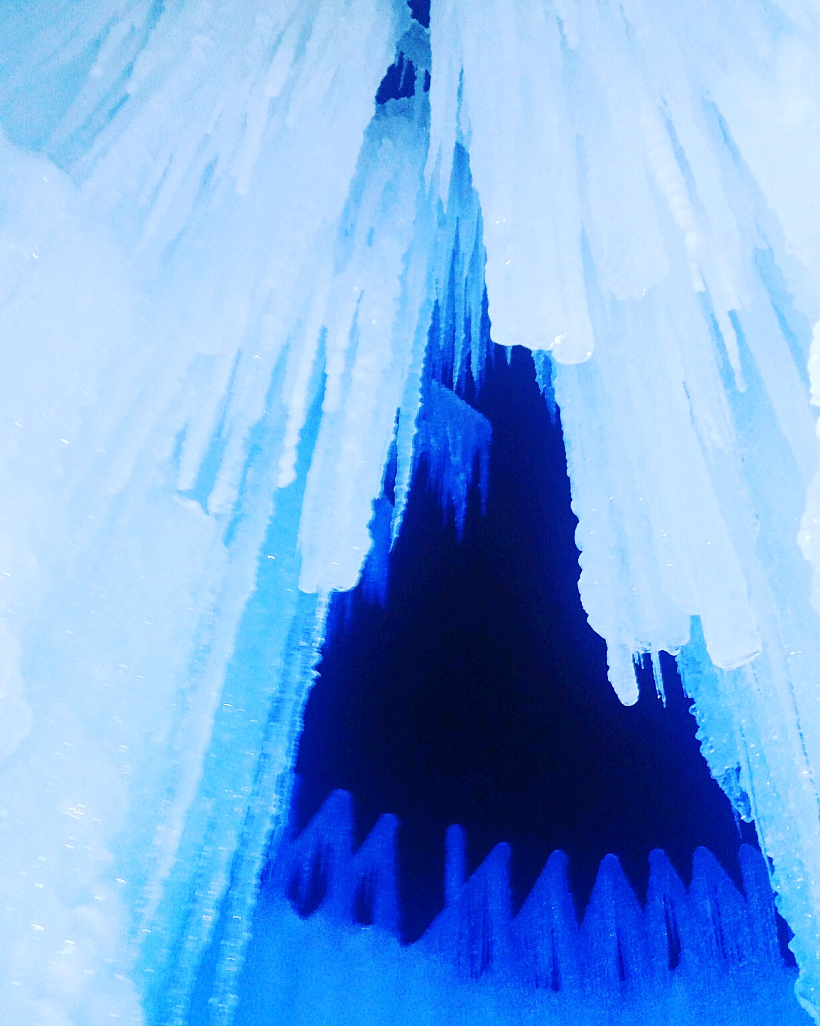 ice formations ice castle.jpg