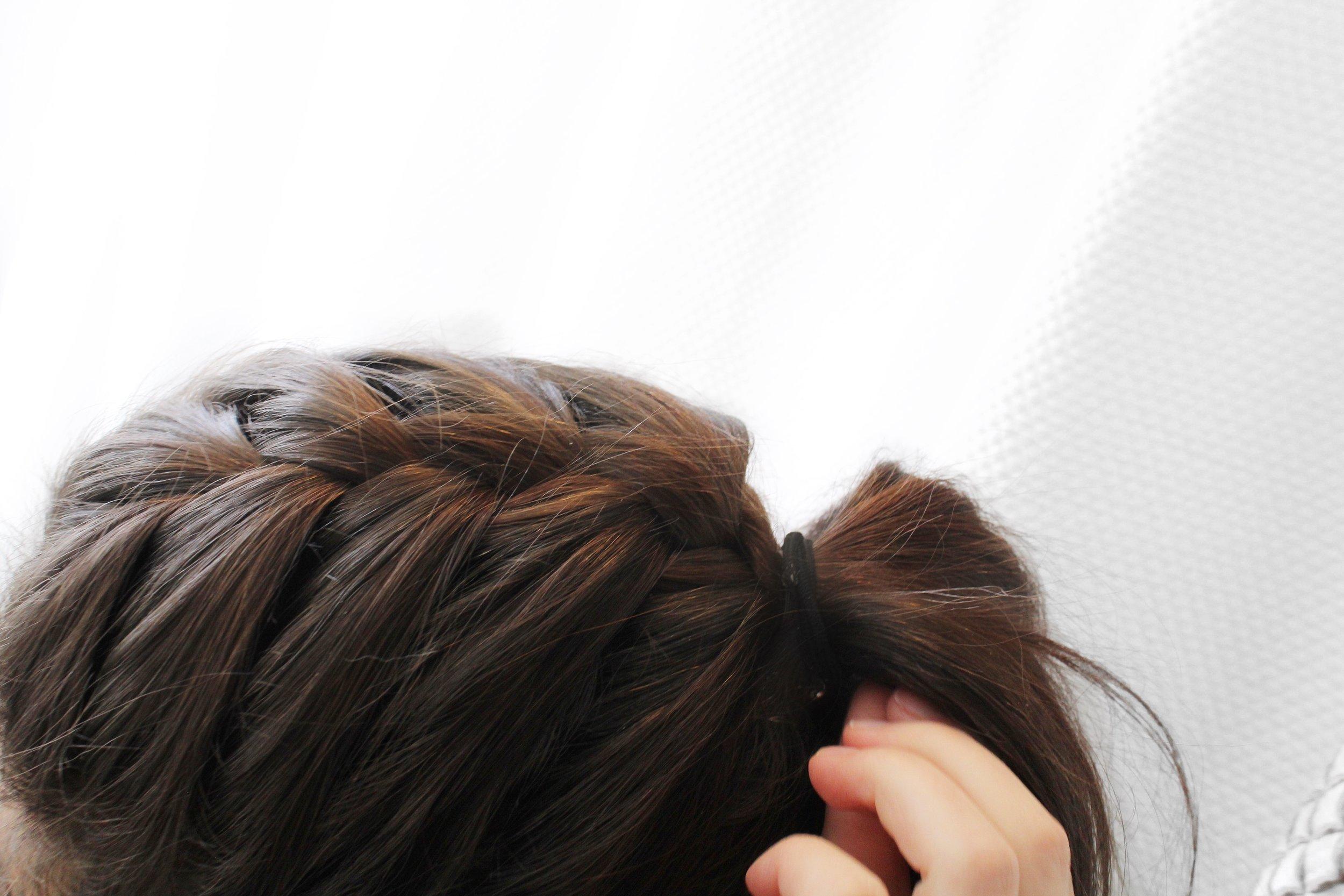 braided-pony-tail-hairstyle.JPG