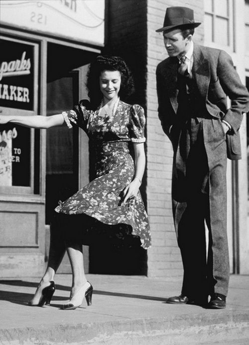 Jewel McGowan and Jimmy Stewart, from Pot o' Gold (1941). You know, I should probably watch this movie.