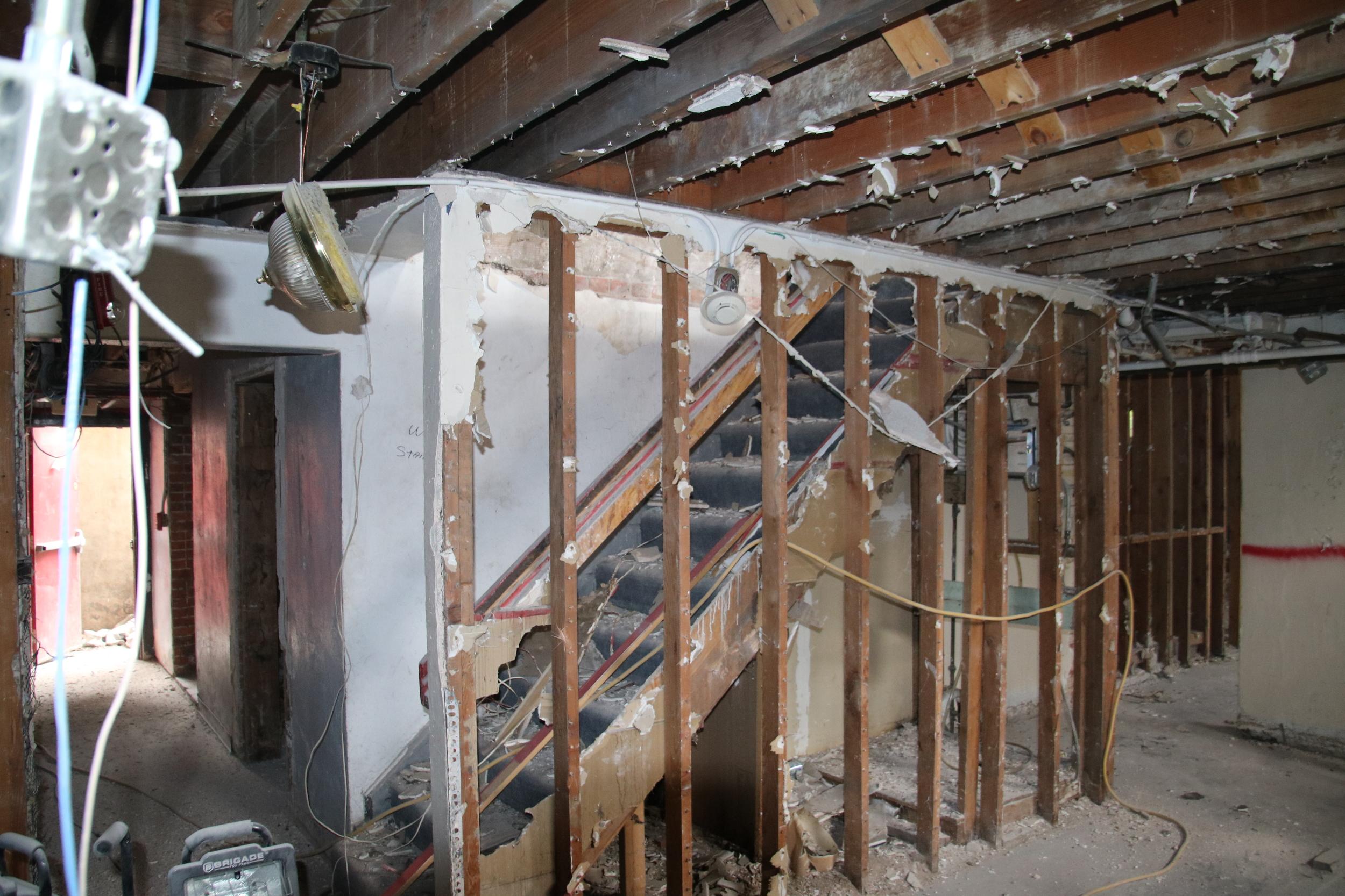 2015-07-20 basement stair to kitchen.JPG