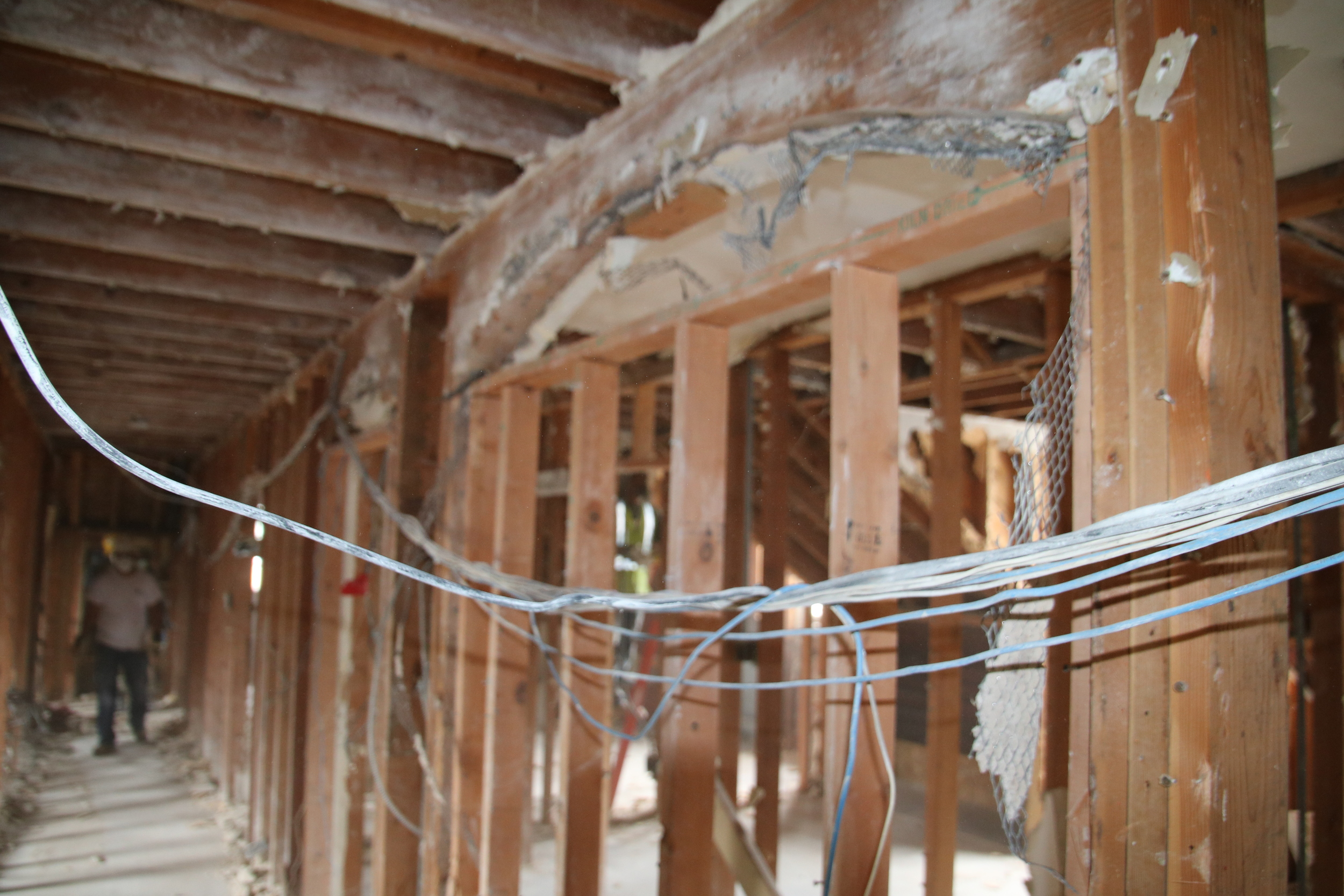2015-07-20 existing arch framing at 3rd floor stair.JPG