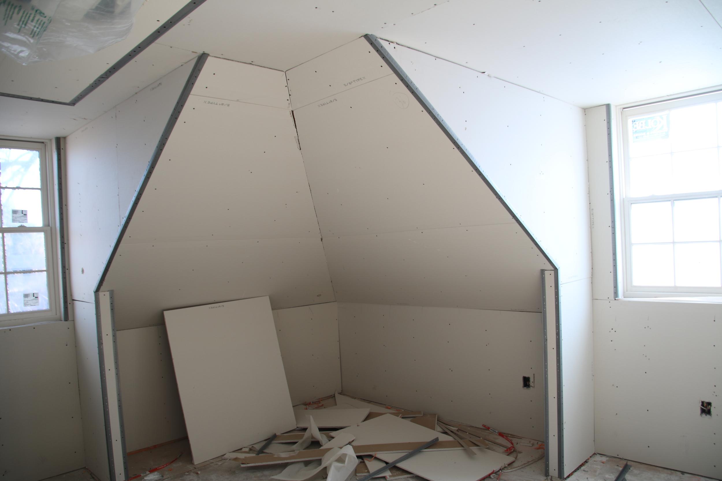 2015-11-24 3rd floor bedroom drywall.JPG
