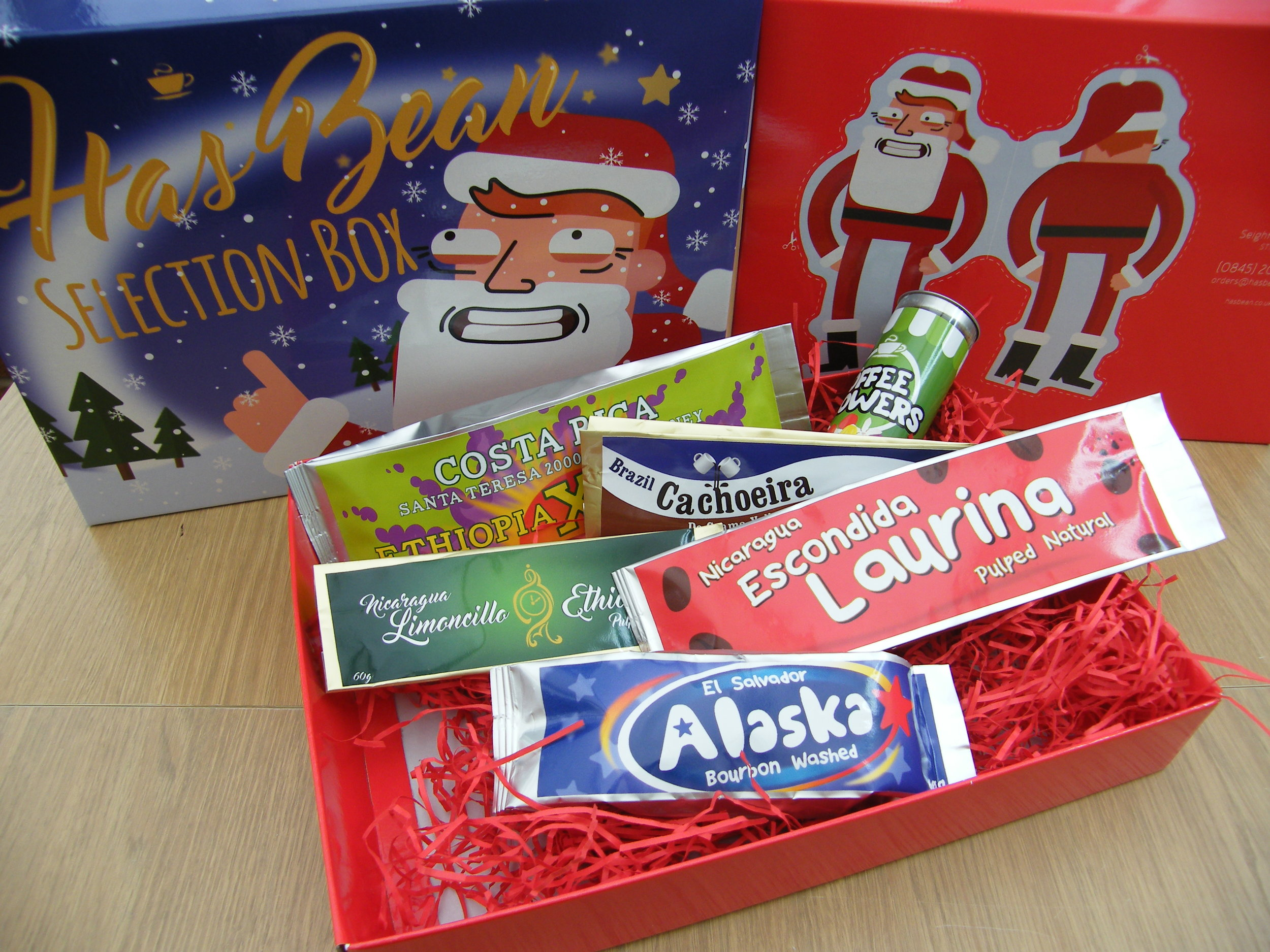 Of course Santa could be a redhead. Wanna make something of it?... cut out the bottom of the box and you can!