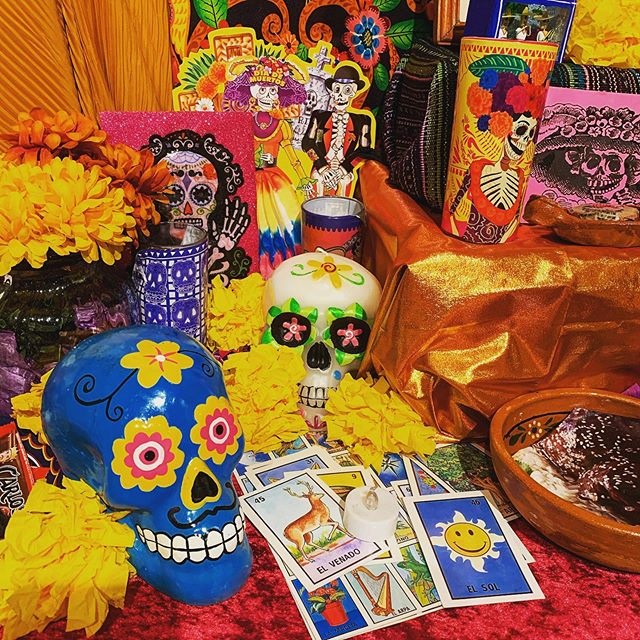 This morning I went to see the Ofrendas exhibit at the Ft. Lauderdale history museum at the New River Inn. It was truly moving seeing the intricate, beautiful artwork made as a loving tribute to  those who are no longer with us. If you have a chance, stop by and see it. The exhibit is free! 💀 🇲🇽 🎃