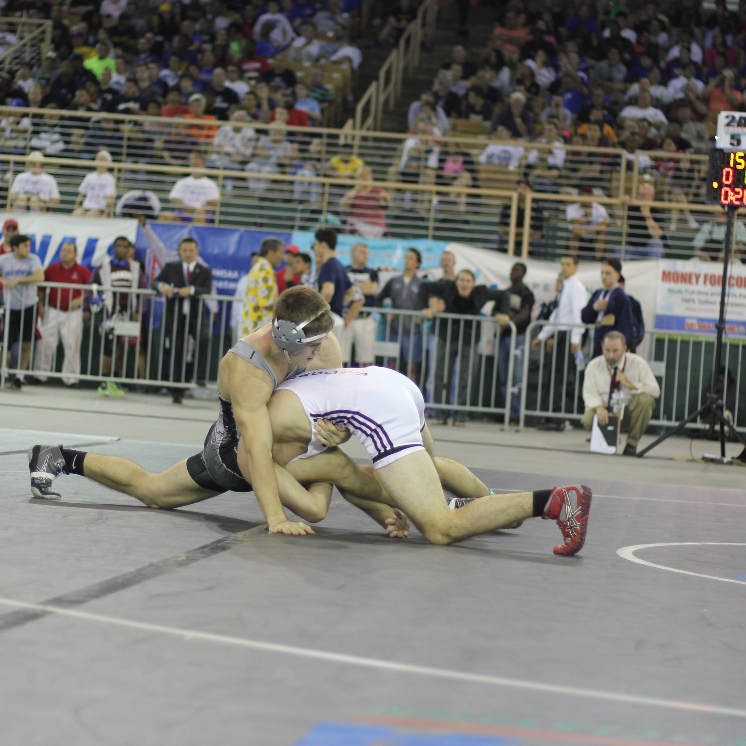 Joyce downs Williams 7-0 to win the 2015 2A 152 lb. title