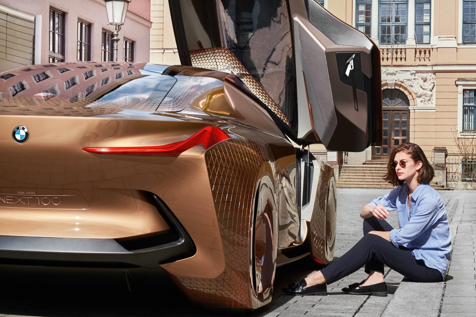 2016-BMWVision100-31.jpg