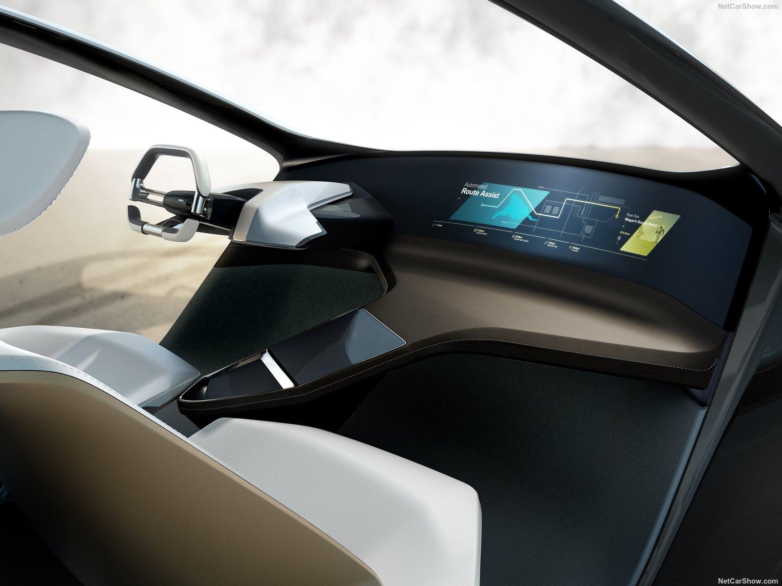 BMW-i_Inside_Future_Concept-2017-1600-04.jpg