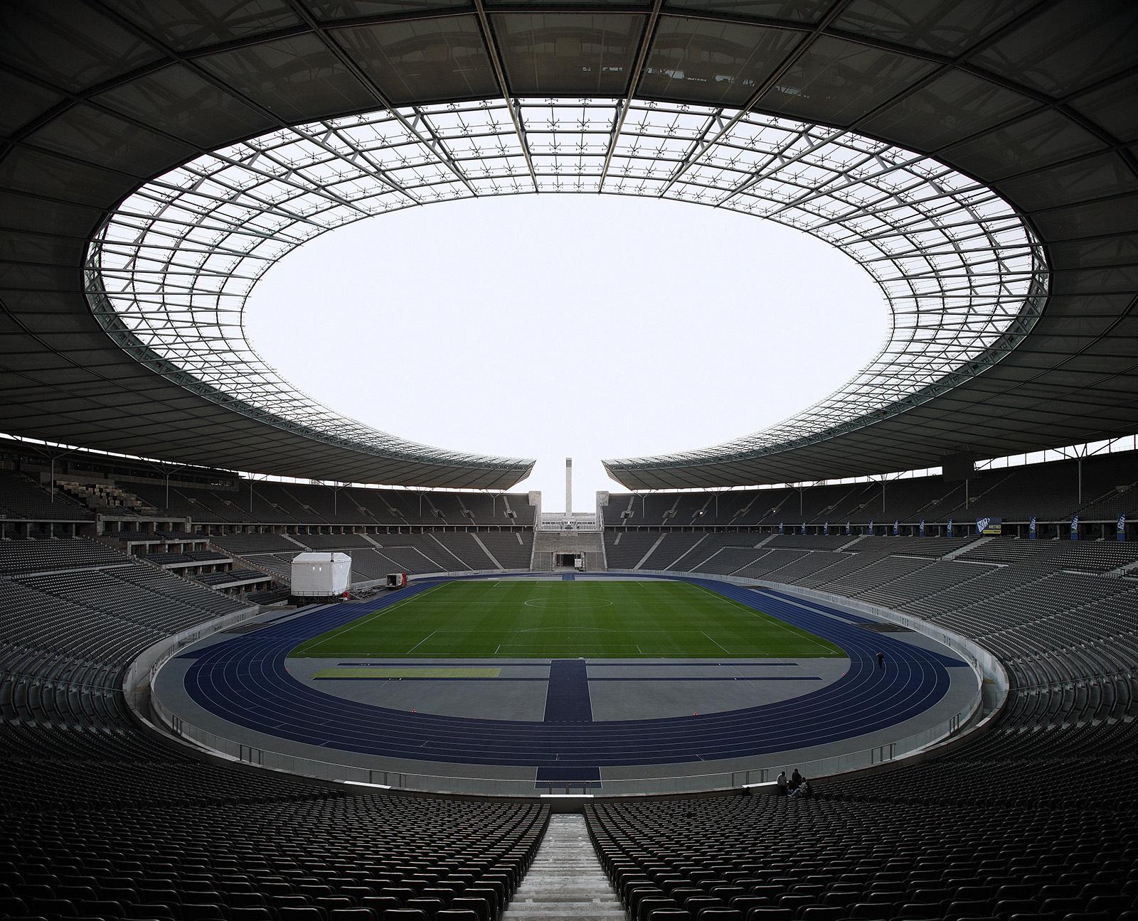 29- 918beb1f7835adfd-01-stadium_cropcopy.jpg