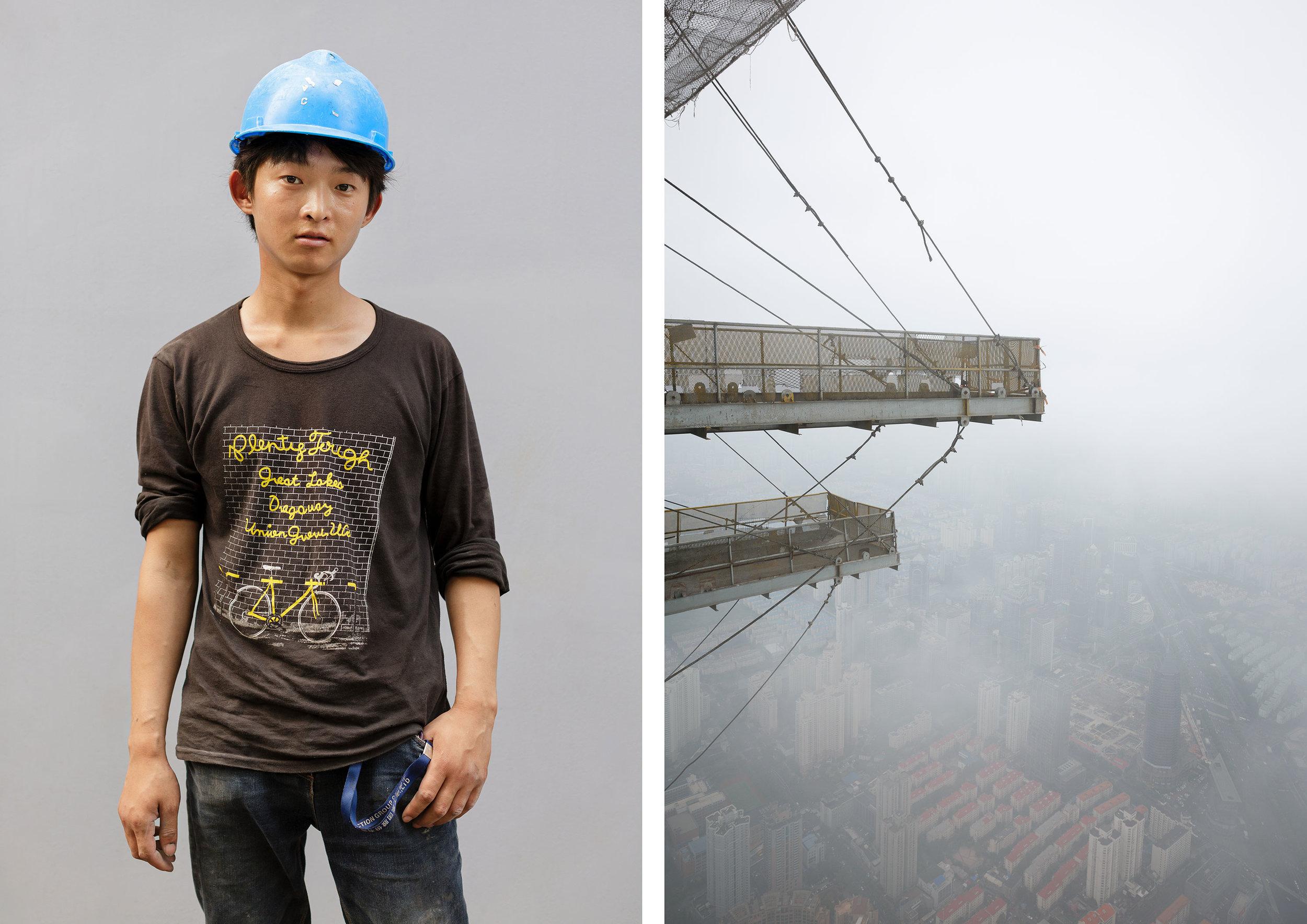 Shanghai_Tower-workers-and-building2.jpg