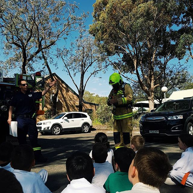 The local firefighters casually showing off the firefighters suit.  Fun day today at the Menai #kyokushin funday. A good start to the #schoolholidays . We even had the local firefighters come down and let the students use the high pressure hose.  #kyokushin #karate #iko #cujickyokushin #mortdalekyokushin #australiankyokushin  Inquire : @ www.mortdalekyokushin.com