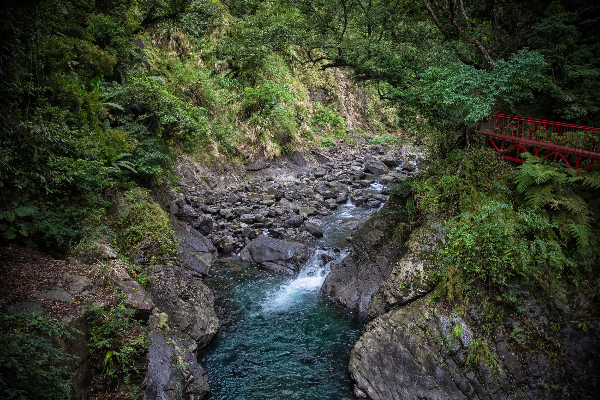 - The walking path to Xiao Wulai Waterfall's base.