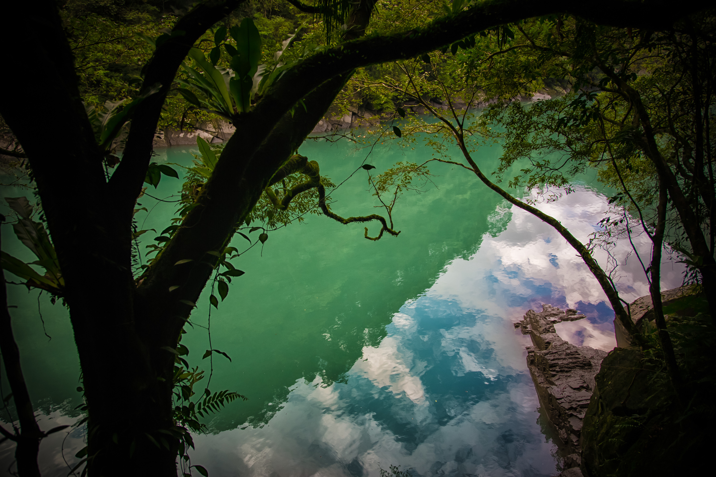 The emerald green water of the Nanshi River