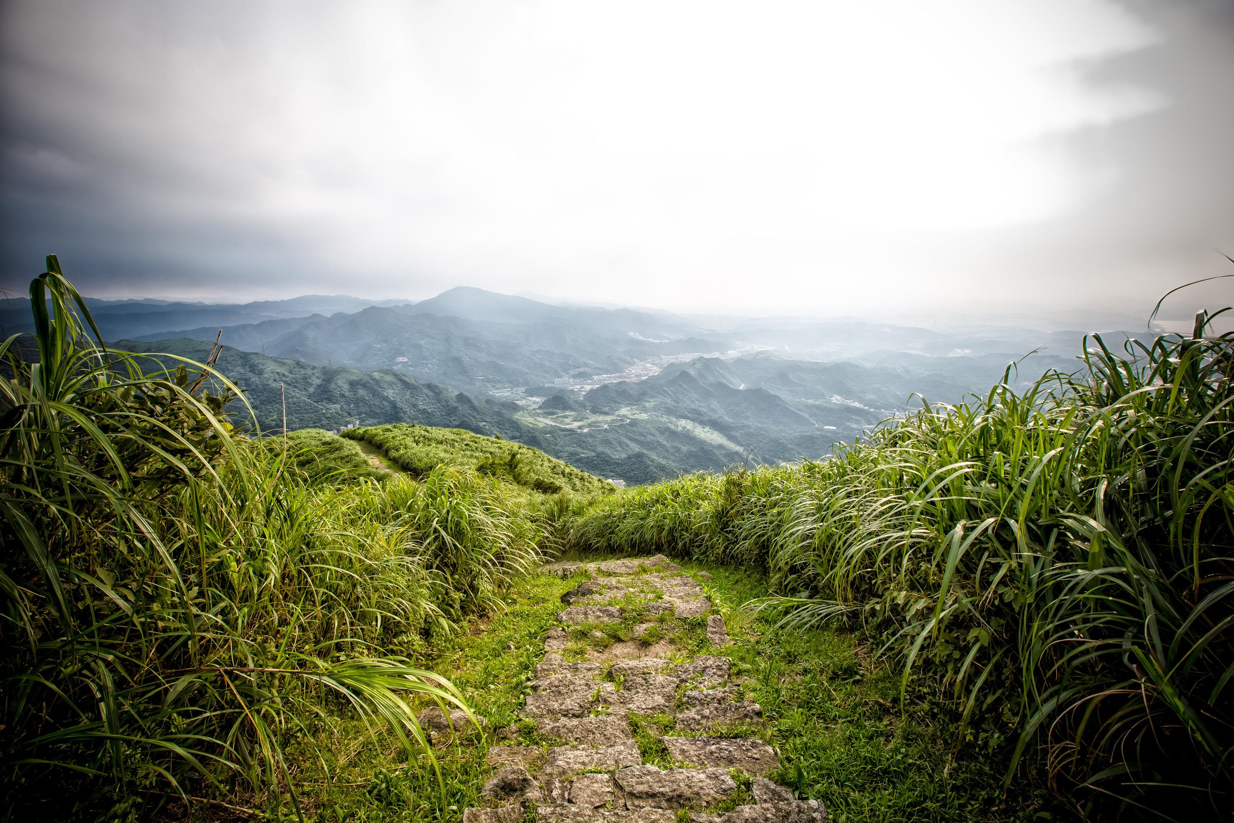 The hiking path on Jilong Mountain (雞籠山)