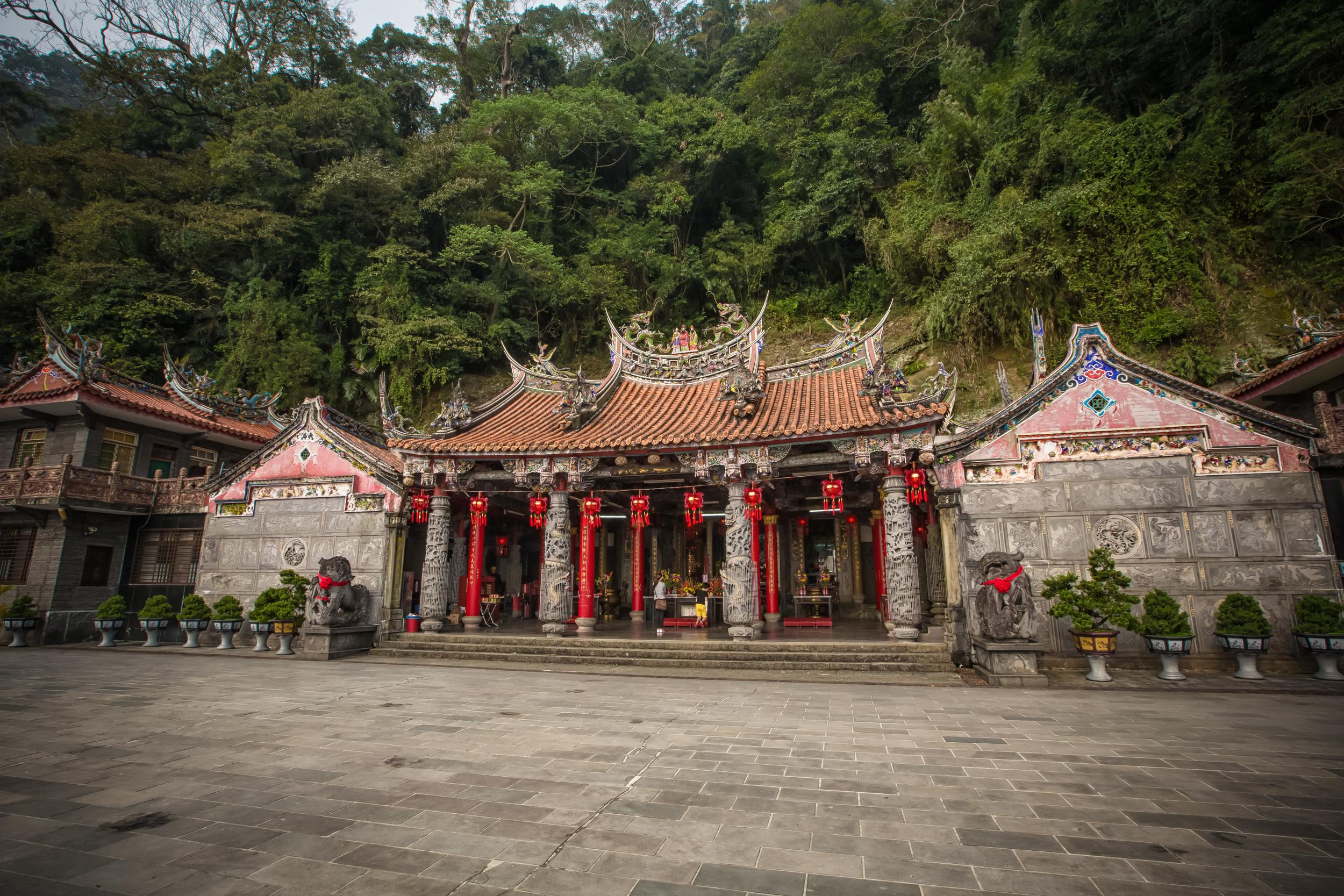 Quan-Hua Temple (勸化堂)