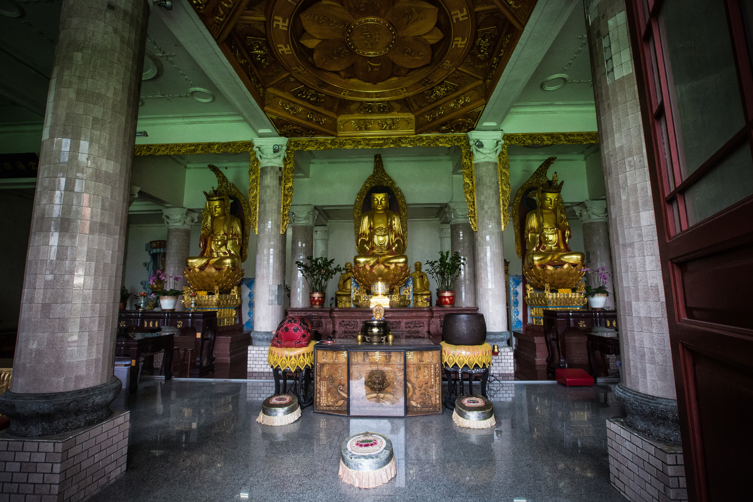 The inside of the shrine room.