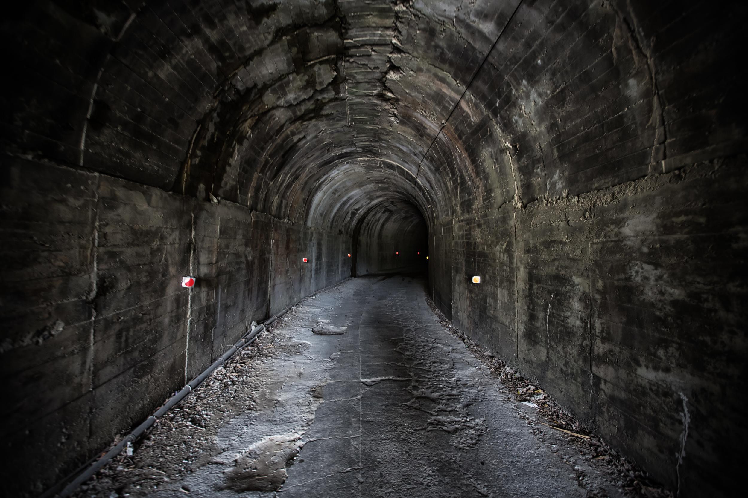 Tunnel into Mukumugi