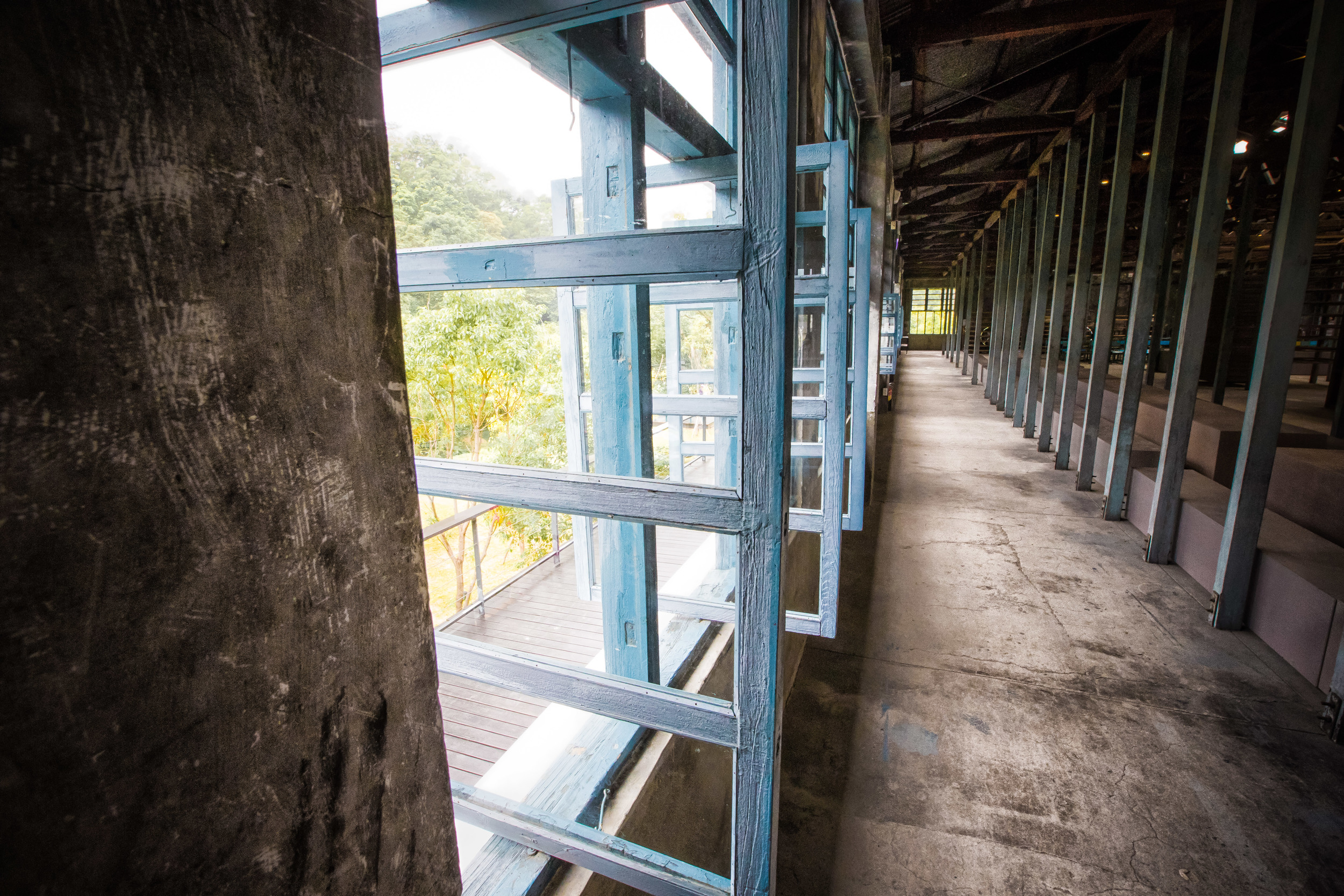 Lots of windows to allow air circulation for the tea to dry