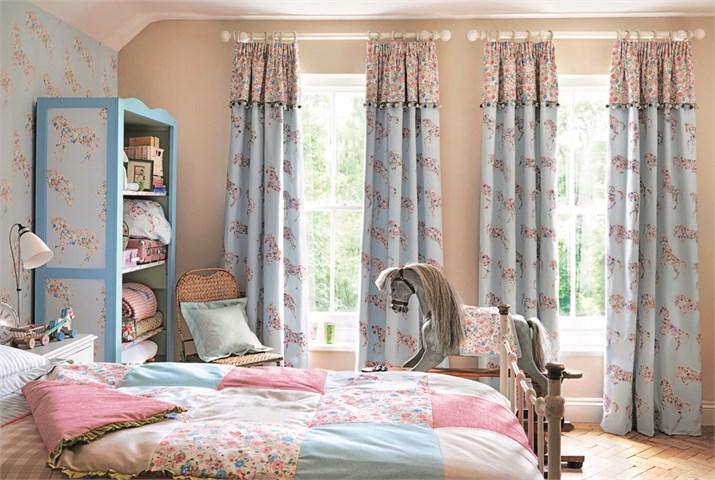 Pretty Ponies curtain.jpg