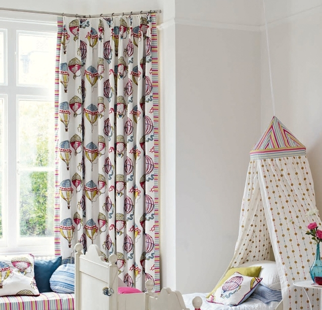 Beautiful Balloons curtains with elegant embroidered trails