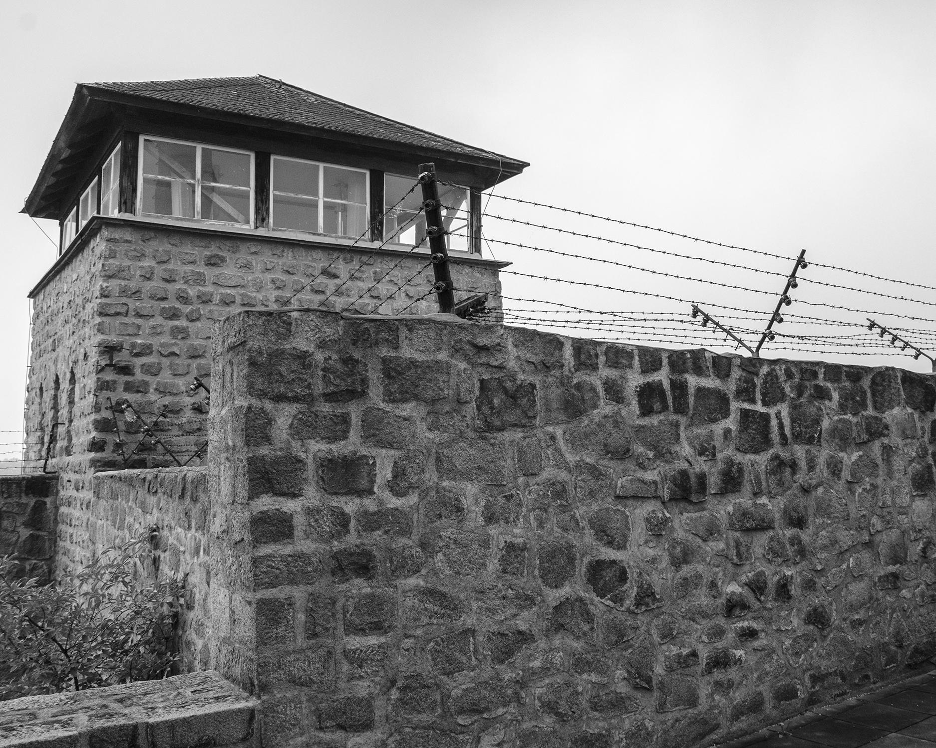 torretta di guardia campo di concentramento Mauthausen-7964.jpg