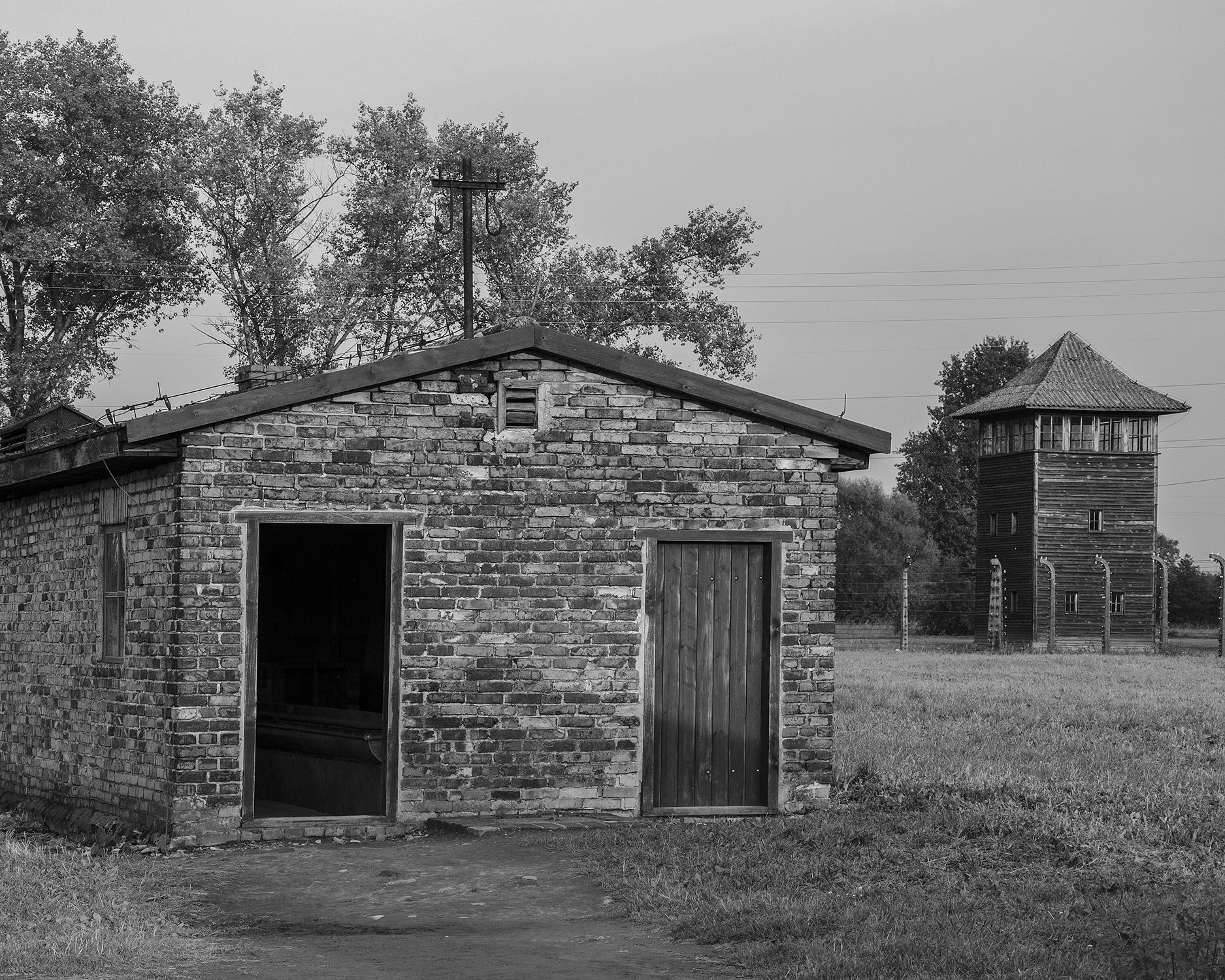 Auschwitz Birkenau-baracca lavatoio-3217.jpg