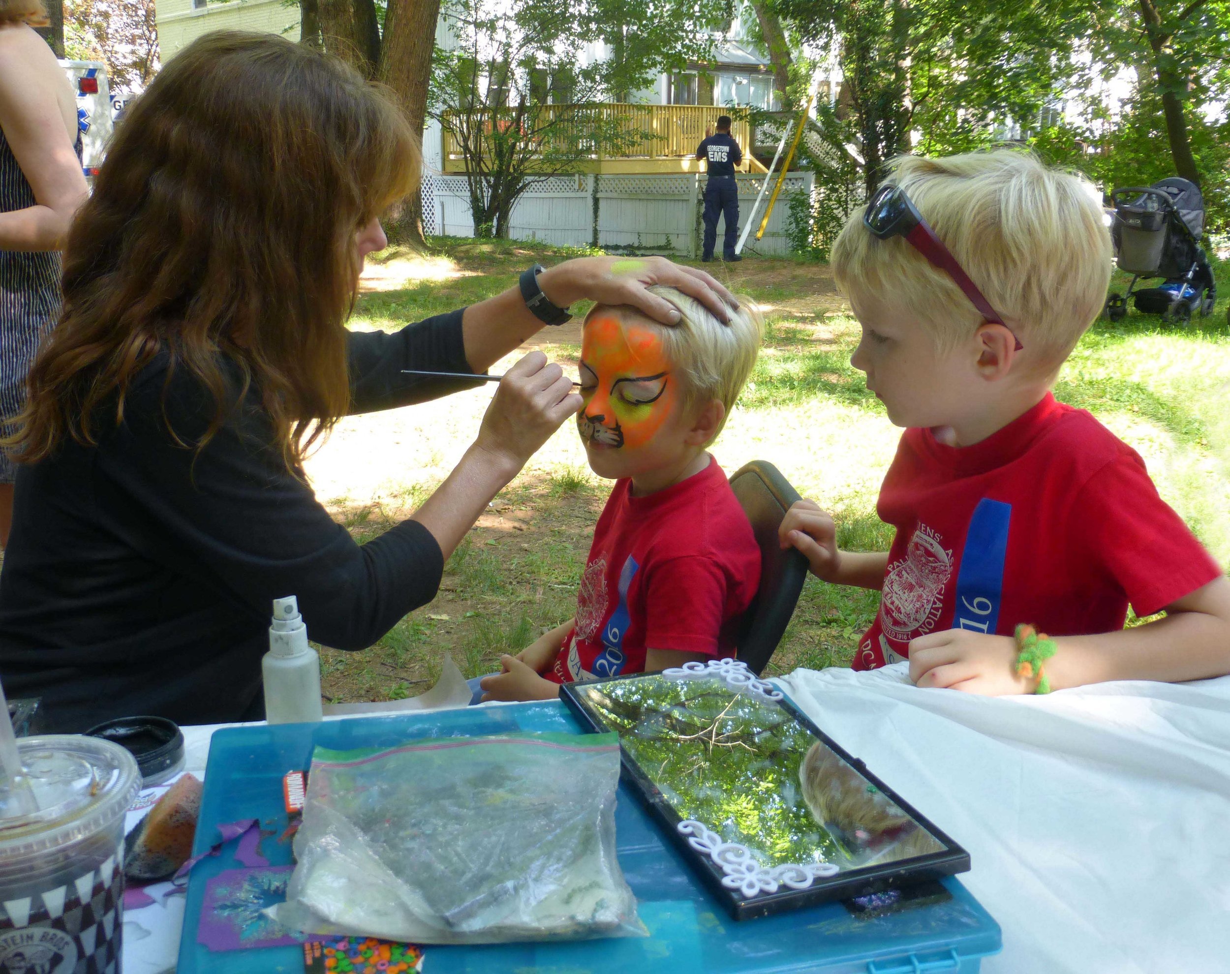 2017-Picnic-facepainting-90-small.jpg