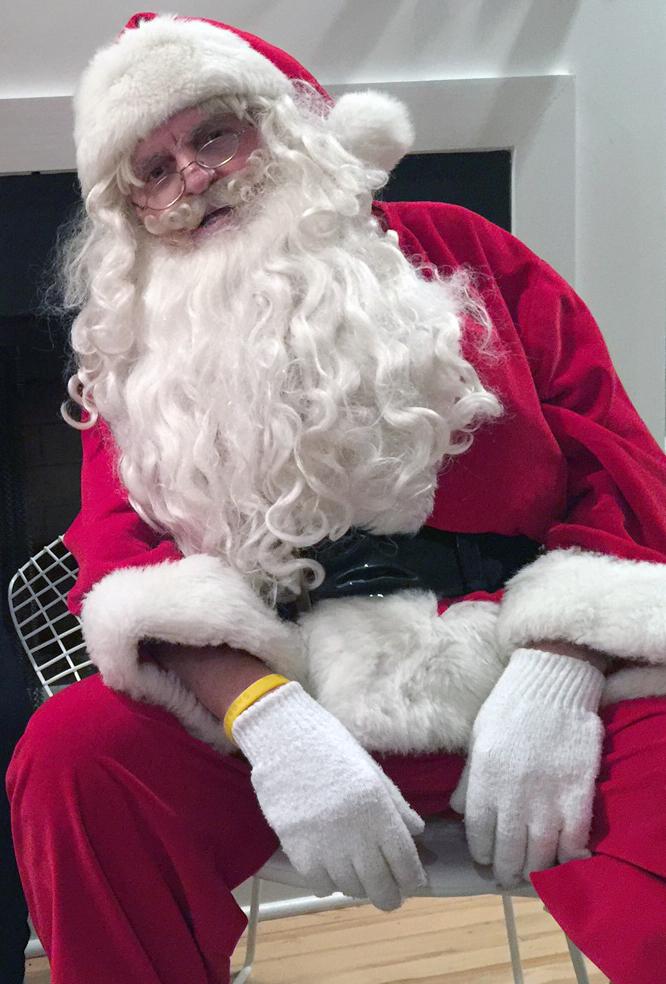 2018.11-Santa.jpg
