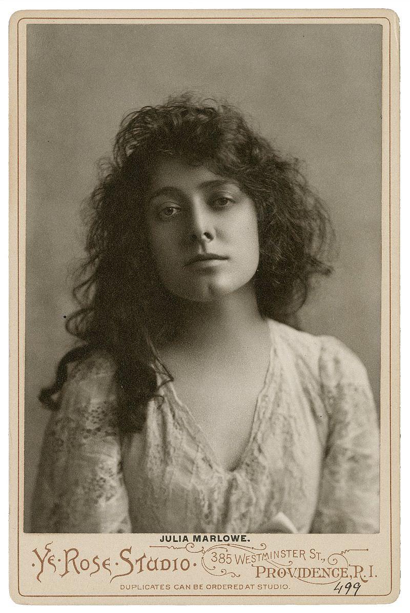 Julia Marlowe, British-born American actress 19-20th century. Great chin. http://luna.folger.edu/