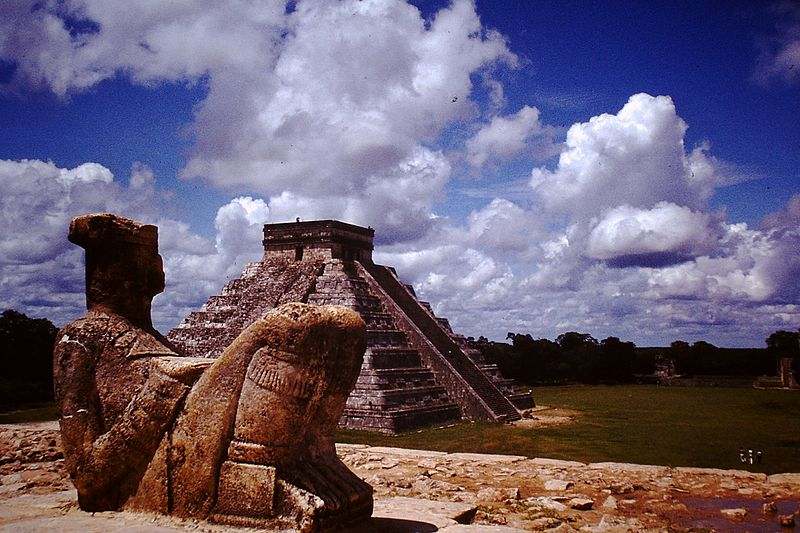 View of El Castillo or Kukulkan pyramid, from the Temple of the Warriors. Taken in 1968. ©  Spielvogel  / Wikimedia Commons