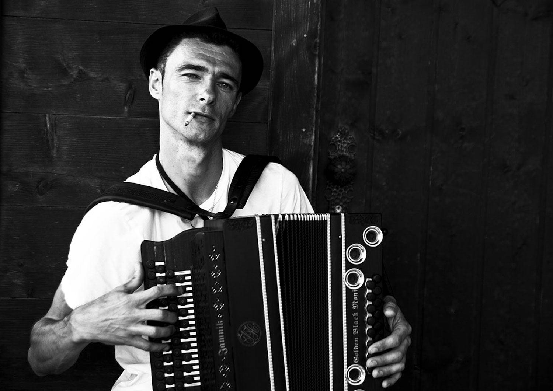 Herbert Pixner, Musiker, für Alps Magazine, Tegernsee, 2012