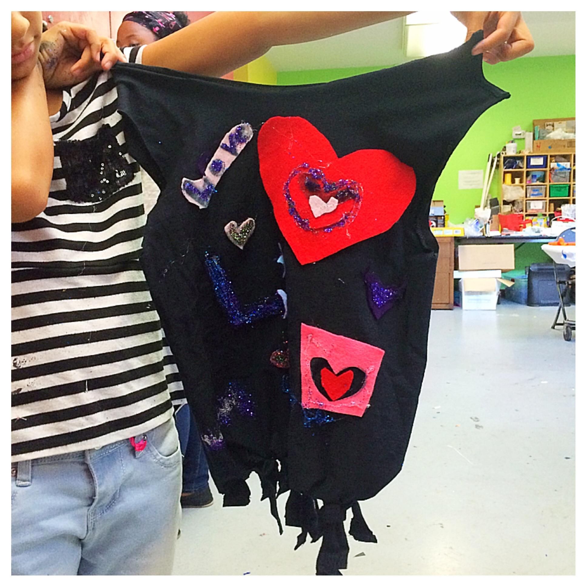 An up-cycled t-shirt bag inspired by  Gilson Martins , a popular Brazilian Artisan.