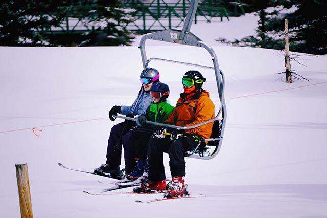 Aerosilla. . . . . . #snow #winter #wintersports #ski #chairlift #beavercreek