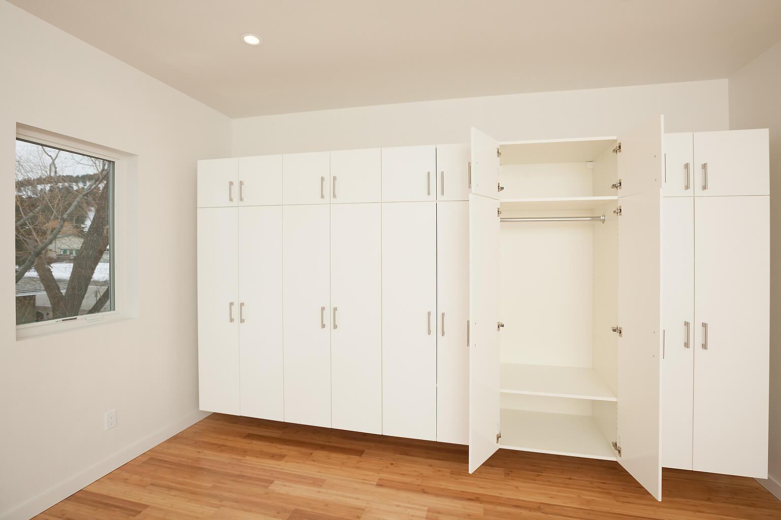 010-Closet Units.jpg