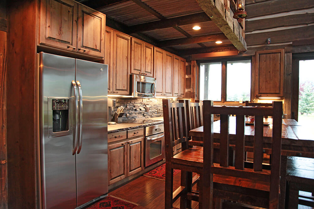 AlpineAirparkReserveLot119Kitchen.jpg