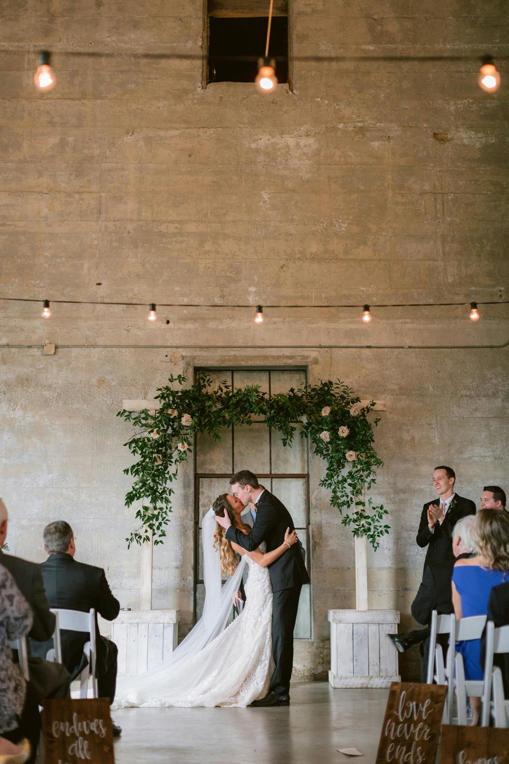 Olde-Dobbin-Station-Wedding-Photographer-Kelly-32
