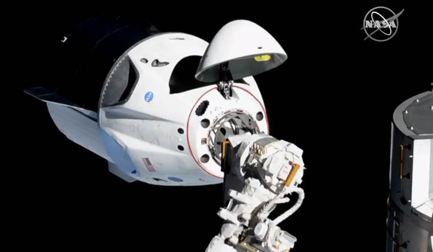 Crew dragon approaching Station