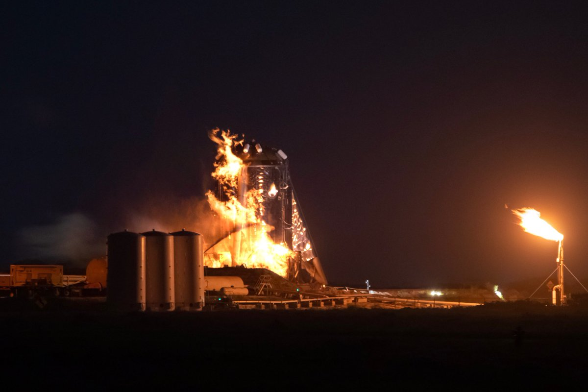 Starhopper engulfed by a secondary fire