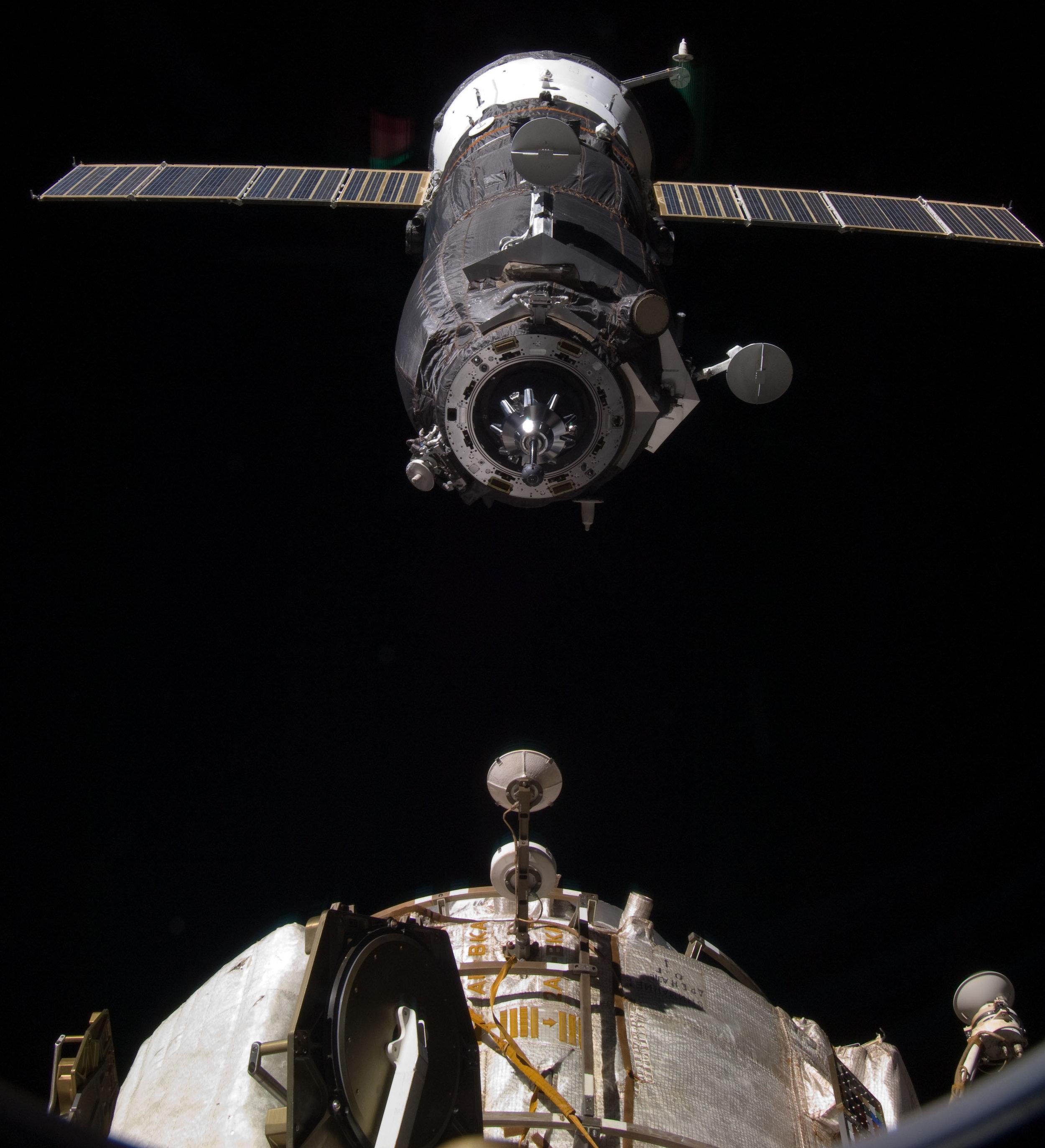 Progress MS-13M using the Kurs docking system