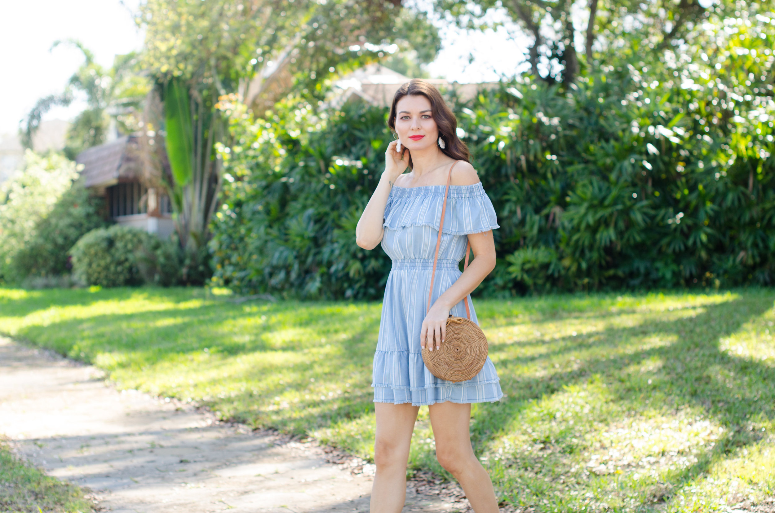 tampabay_stpete_florida_portrait_photographer_canvas_boutique_blue_stripe_dress.jpg