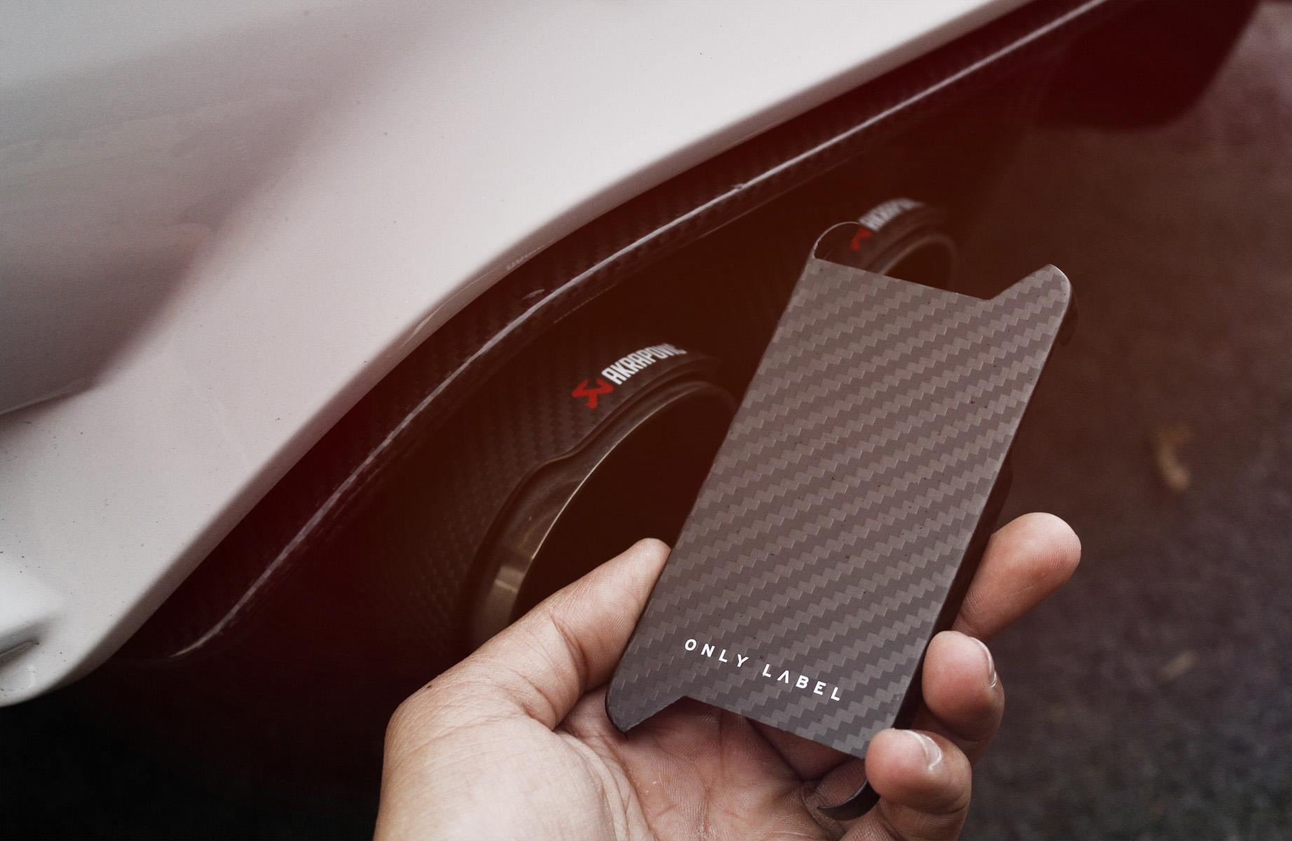Only Label Carbon Fiber iPhone SE 5s 5 _MG_1977.jpg