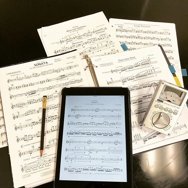 It's that time of year: when we all attempt to artfully arrange our many pages of recital music... and then realize just how many notes we have to play! 😅🤘🎷 (and yes, I purchased all of the works before 🖨!) . . .  #recital #saxophone #concert #livingcomposers #bossmode #buyyourmusic