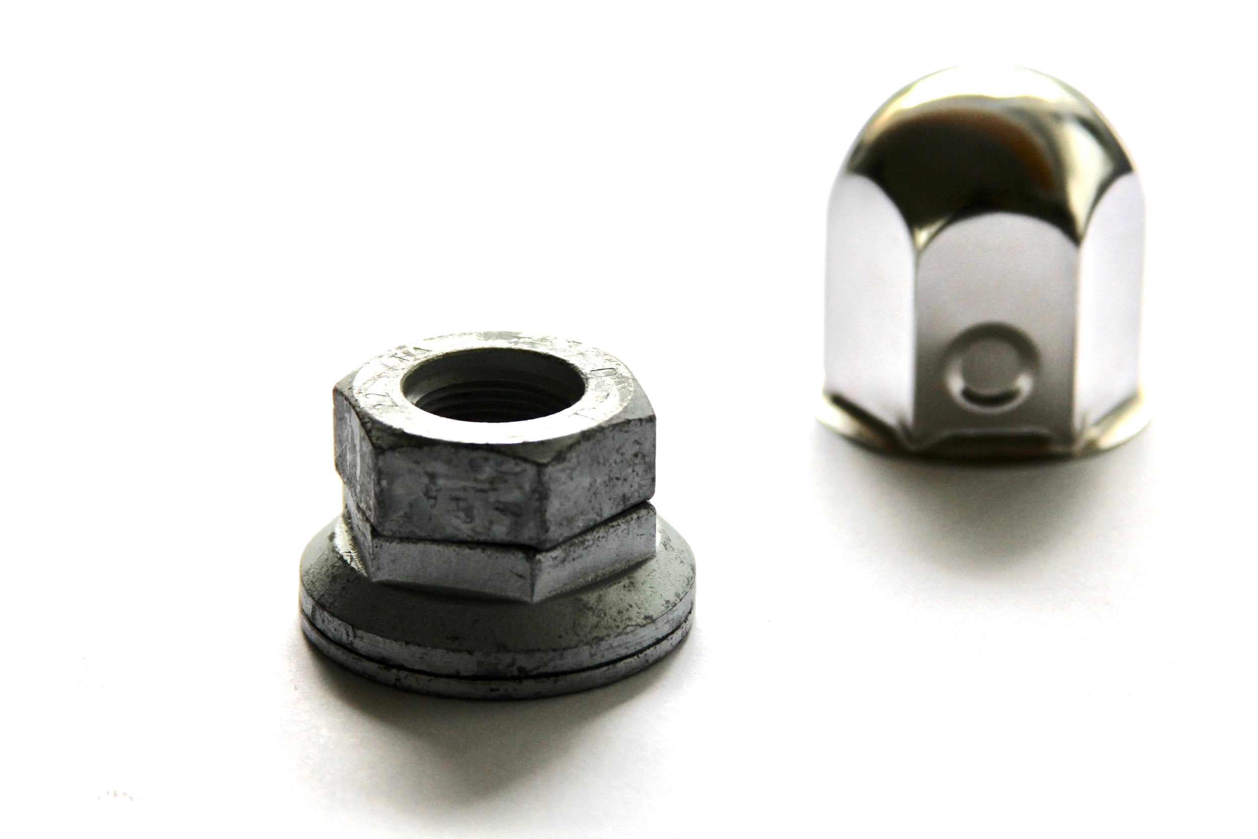 safety+wheel+nut+with+cap