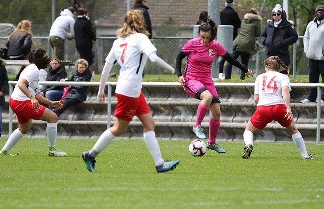 Unsere Frauen 1. Liga im Spiel gegen den FC Servette Chenôis. ⚽️😊👍 Leider konnte das Heimteam heute nicht punkten. ☹️ Am kommenden Sonntag gehts dann nach Sion! Dann soll das Punktekonto wieder gefüllt werden. 😊💪 #ffcsuedostzuerich #ffcsuedost #frauenamballbesseralsmanndenkt #womensoccer #frauenfussball #fussball #ersteliga #soccer