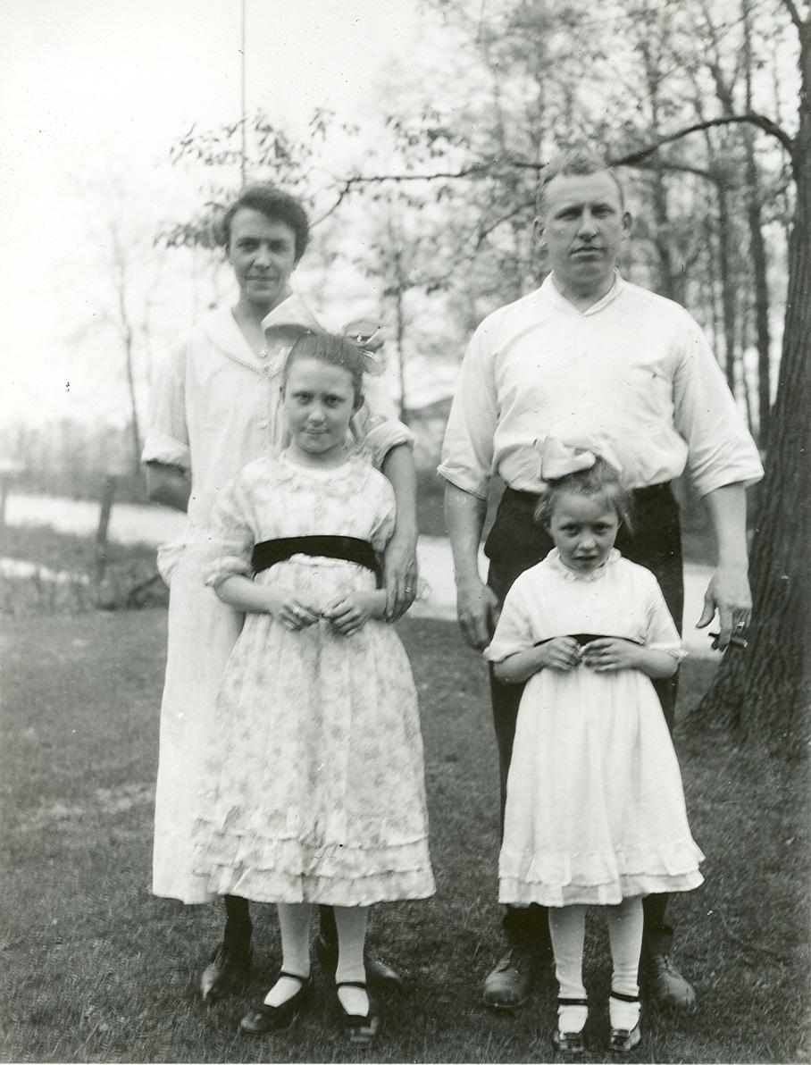 Esther, Oscar, Helene and Loretta Foellinger