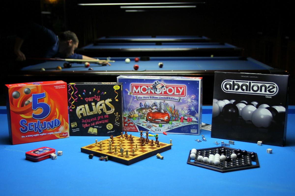 Gry planszowe. 5 sekund, Monopoly, Abalone, Party Alias.