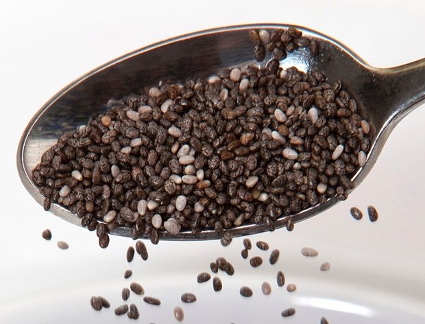 Chia seeds come in black and white color