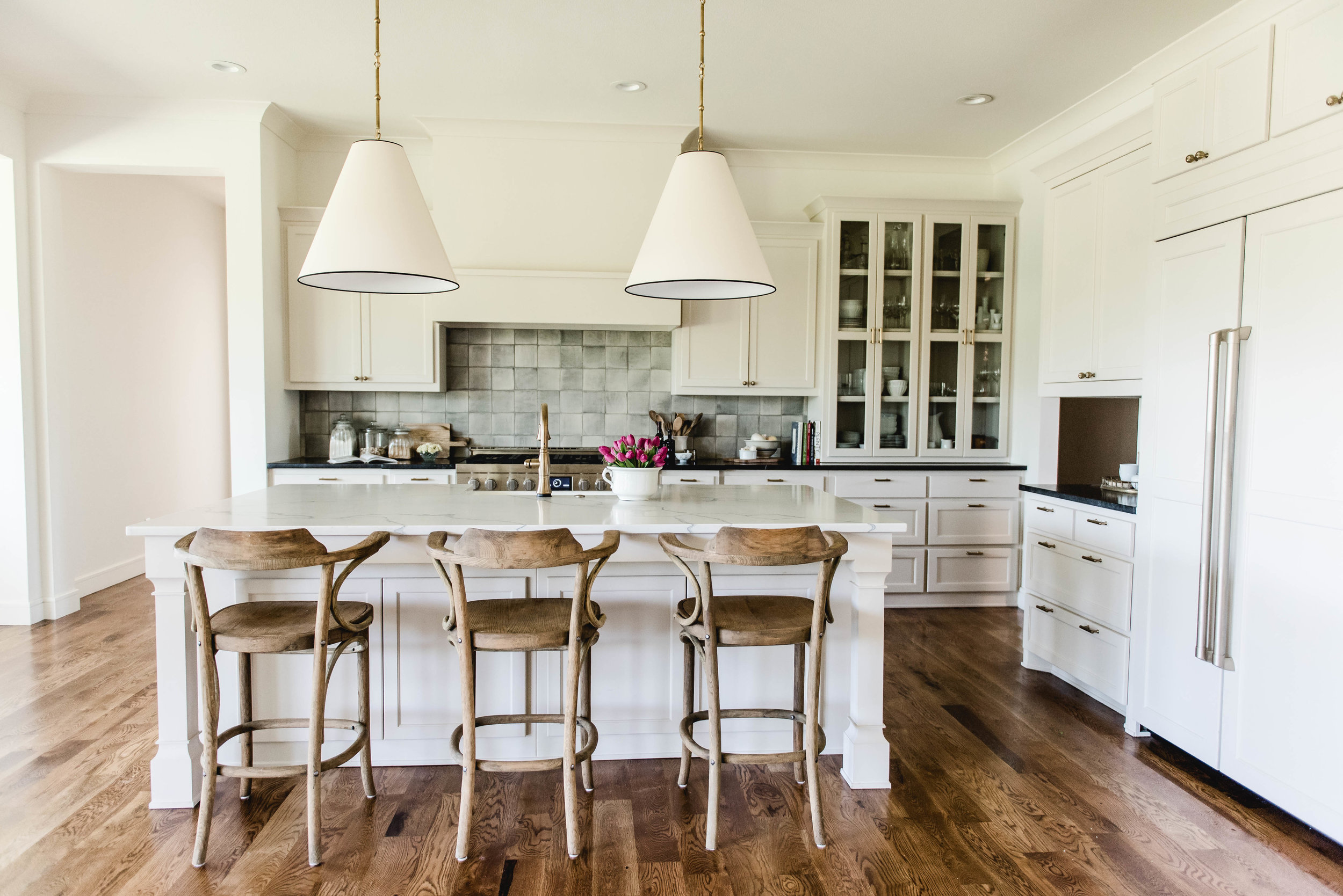 modern-farmhouse-kitchen.jpg