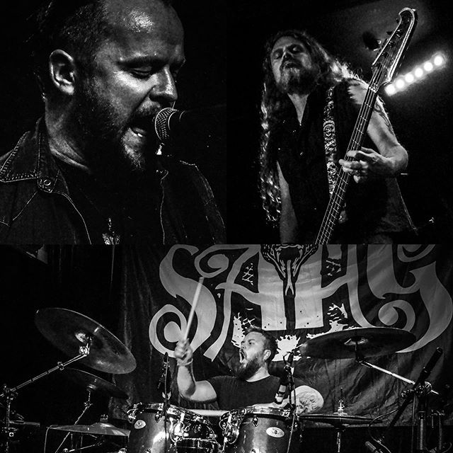 Sahg — live at @underlig_scene — great photos by @yggdrasilphoto  #livemetal #blackandwhite #underligbergen
