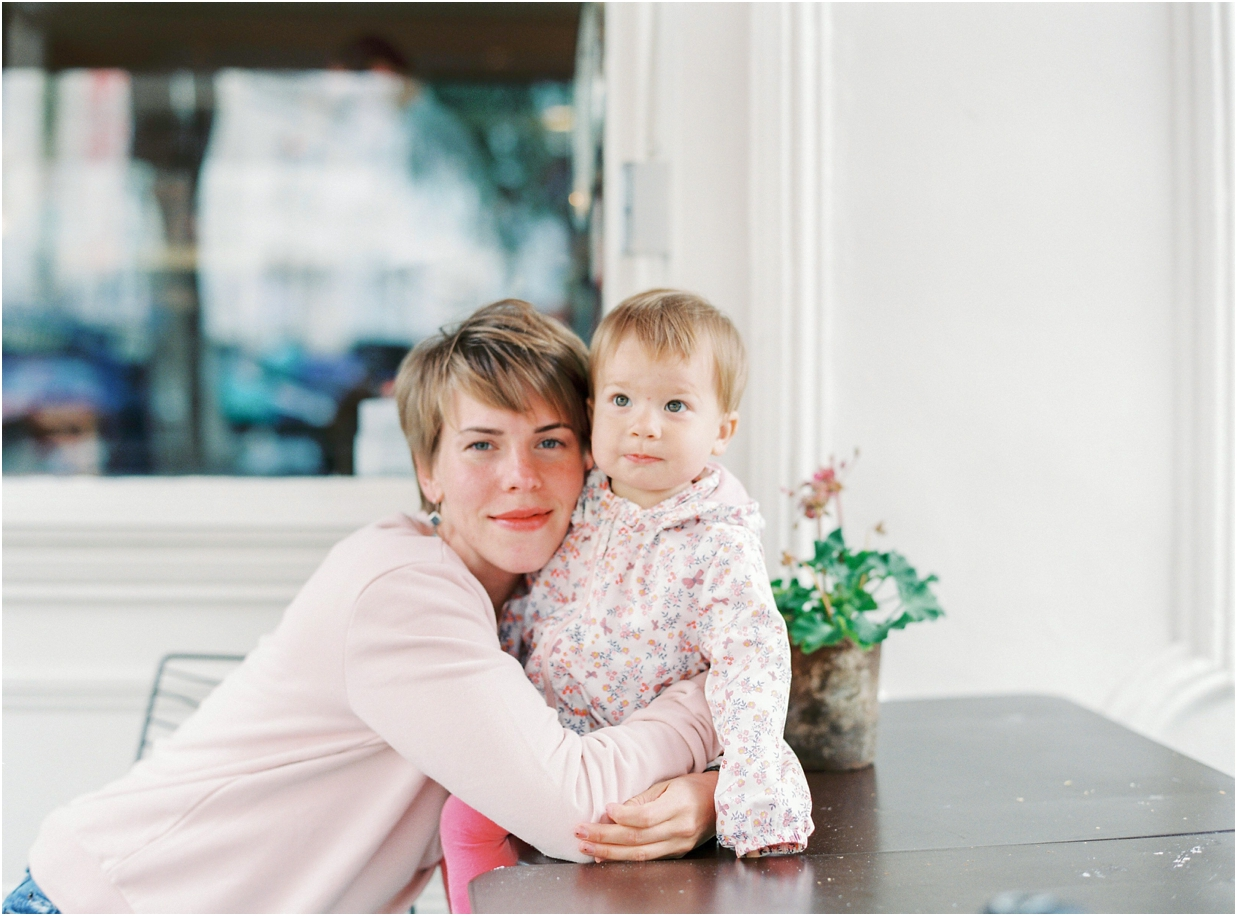 Notting_Hill_Mother-Daughter_PhotographyInnaKostukovsky_0391.jpg