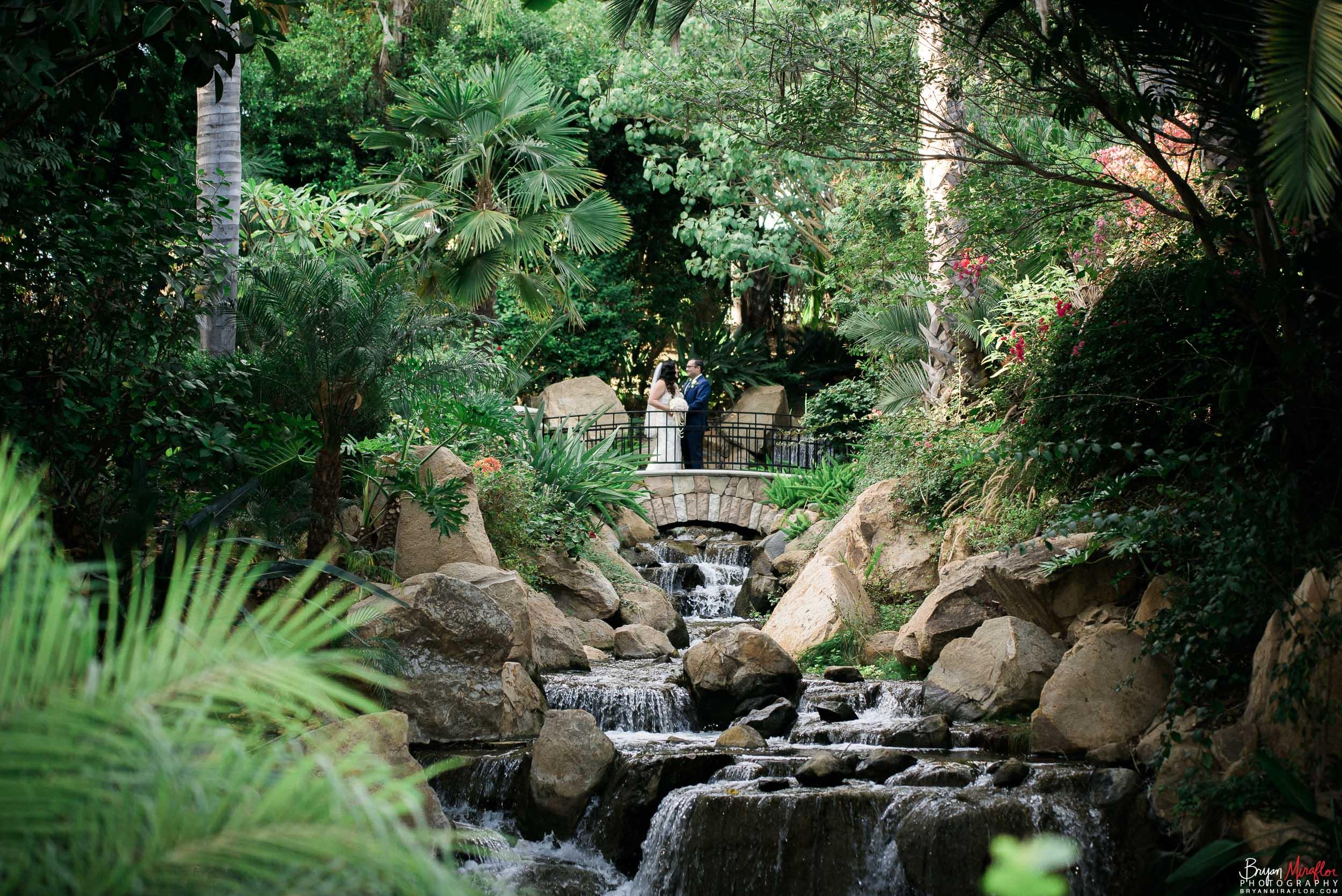 Bryan-Miraflor-Photography-Hannah-Jonathan-Married-Grand-Traditions-Estate-Gardens-Fallbrook-20171222-004.jpg